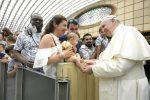 """Calúnia, """"câncer diabólico"""" que destrói a reputação de uma pessoa, disse o Papa"""